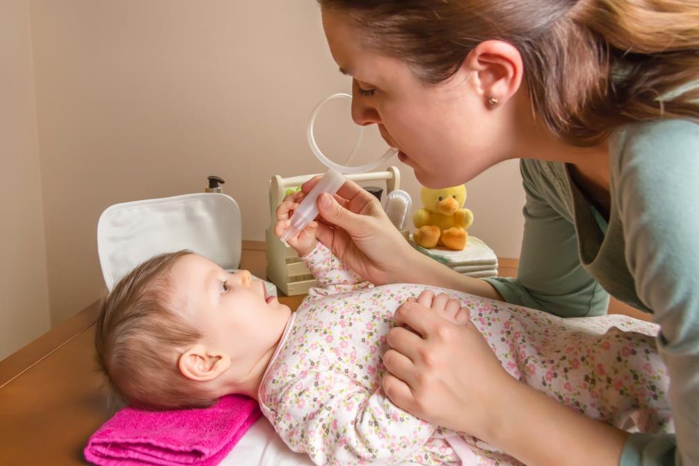 Vai trò quan trọng của việc hút mũi cho trẻ