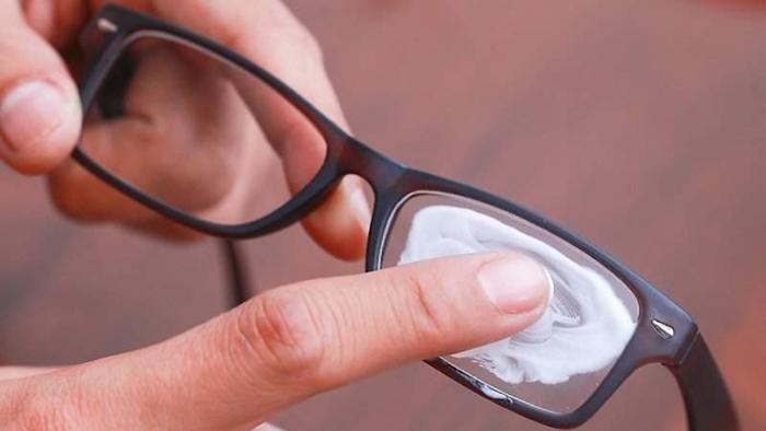 đeo khẩu trang không bị mờ kính