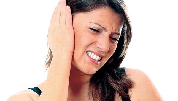 Ngoáy tai bị đau là bệnh gì? Những lưu ý khi ngoáy tai bạn nên biết
